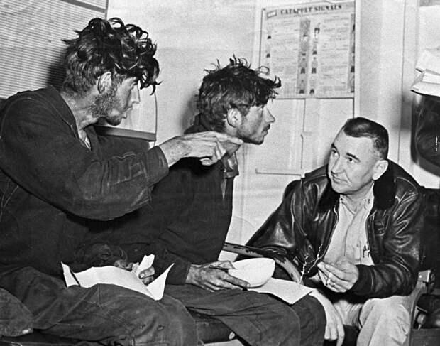 Солдаты после спасения. Фото взято из открытых источников.