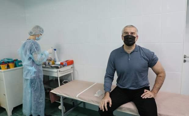Глава Крыма привился вакциной от коронавирусной инфекции