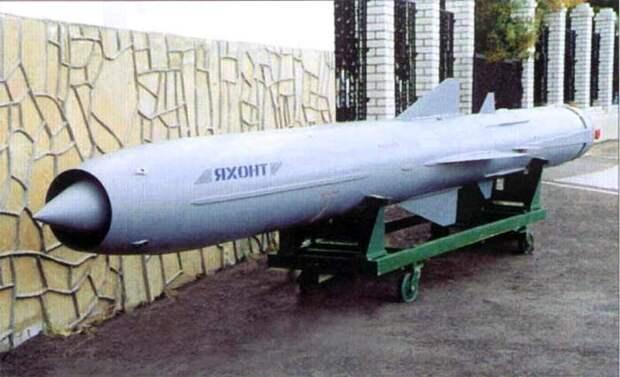 Адмирал Попов расхвалил ракеты, которыми РФ вооружила Сирию: ими можно уничтожить авианосную группировку