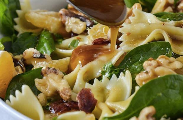 Берем обычные макароны и делаем вкуснейшие салаты