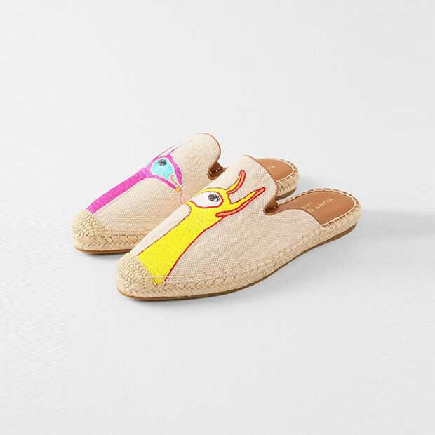 Туфли словно тапочки для дома – самая модная обувь 2021 года