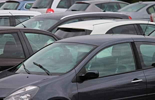 Почти две трети всех машин в России приходится на иномарки