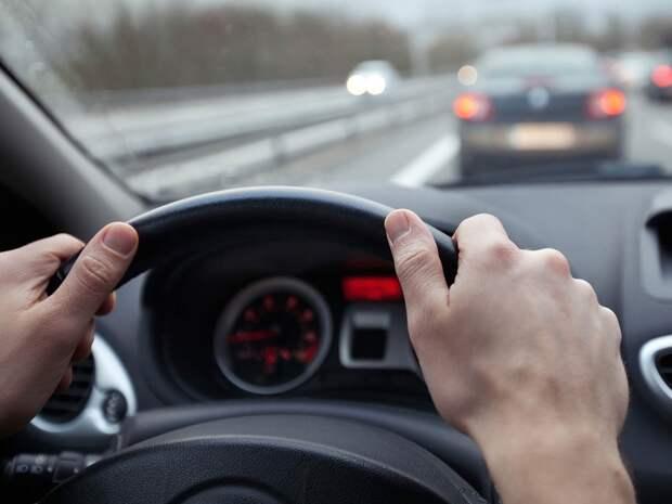 Почему машину тянет в сторону: разбираемся