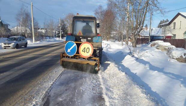 Более 700 единиц техники убирают дороги Подмосковья после снегопада