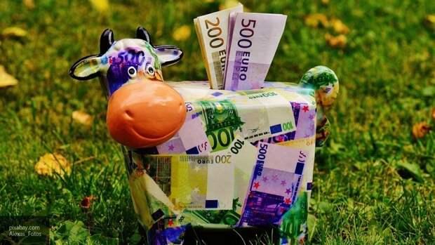 Жителям России дали рекомендации по выбору валюты для вклада
