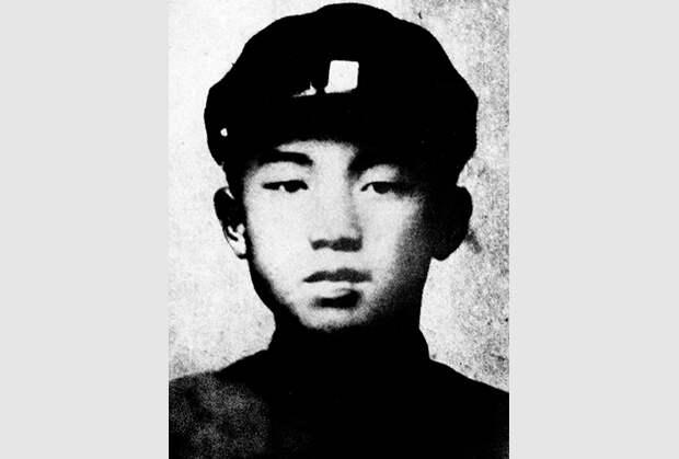 Ким Ир Сен в 16-летнем возрасте