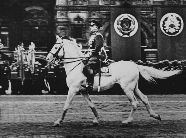 Почему ненавидят маршала Жукова