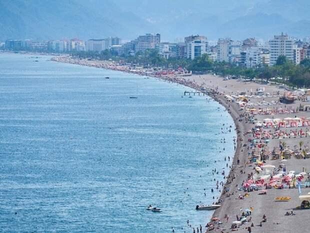 Турецкий турбизнес не ждёт иностранных туристов раньше августа