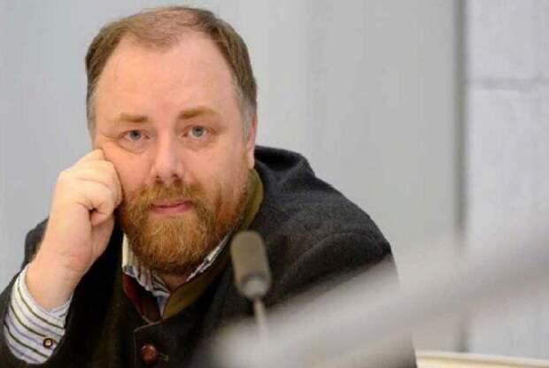 Санкции России должны образумить не только олигархов, но и скакавших украинцев