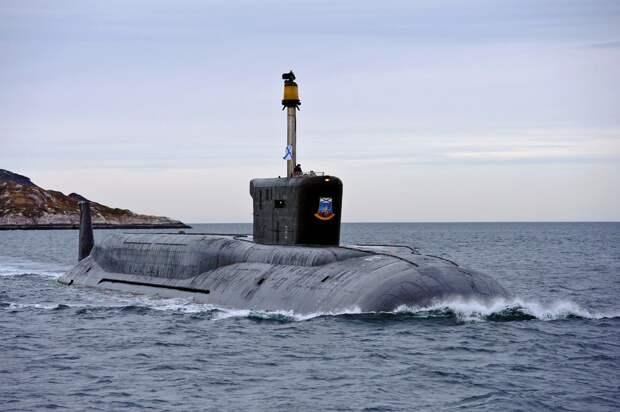 Две российские атомные подлодки выполнили пуски баллистических ракет