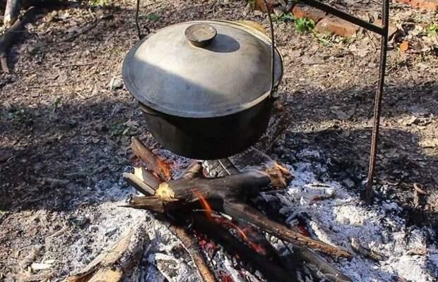 Казан поставим на огонь и кипятим его содержимое около тридцати минут. блюдо, в казане, видео, еда, рецепт, фото, фоторецепт