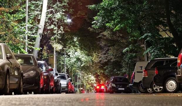 Запретить парковку наулице Налбандяна попросили жители Ростова