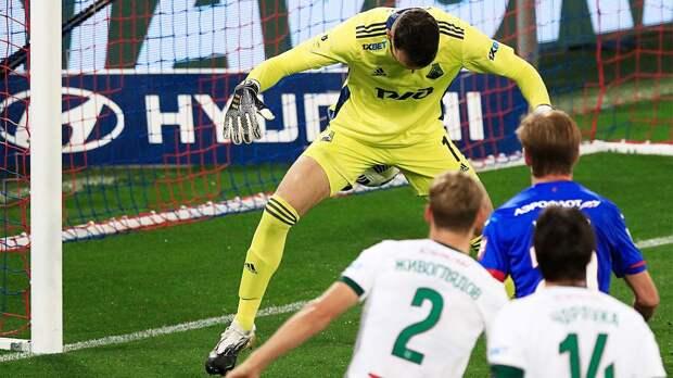 Гильерме едва не закинул себе мяч между ног (опять!) в игре с ЦСКА. Это стало главным моментом дерби
