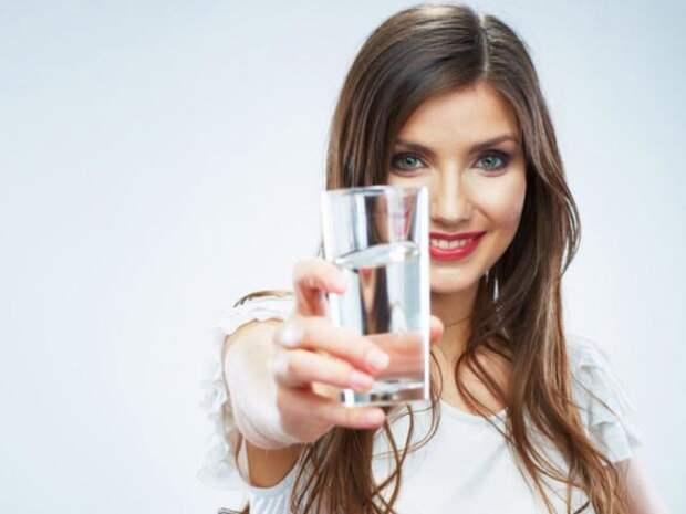 Что произойдет с организмом, если регулярно пить теплую воду утром натощак?