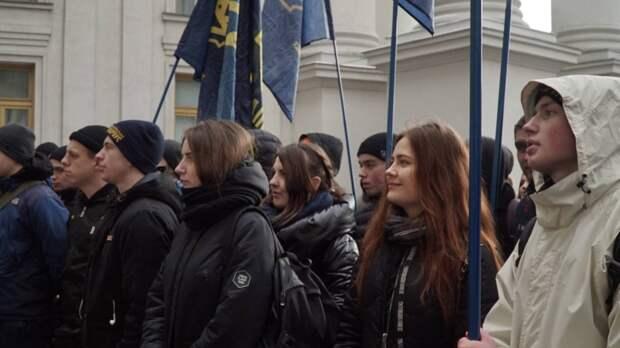 На Украине прошла акция в поддержку Японии по спору за Курильские острова
