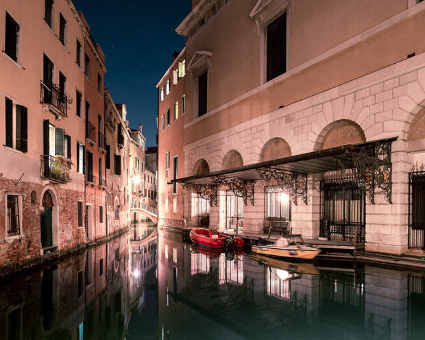Спящая Венеция: гипнотические ночные пейзажи одного из самых красивых городов мира