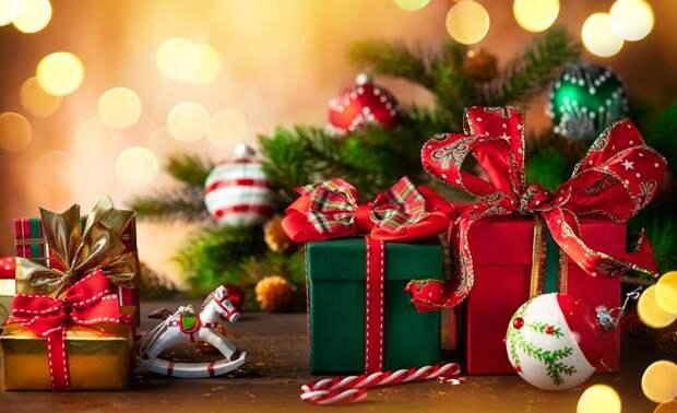 Названы популярные у жителей России новогодние подарки