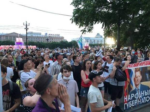 «Левада-центр»: 45% россиян поддерживают протесты вХабаровске
