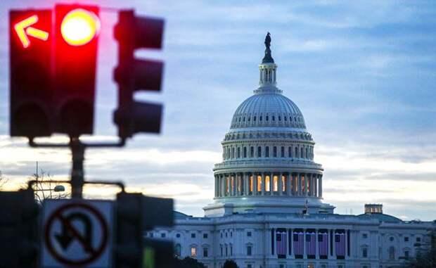 Пол Робертс: Вашингтон — центр зла во вселенной