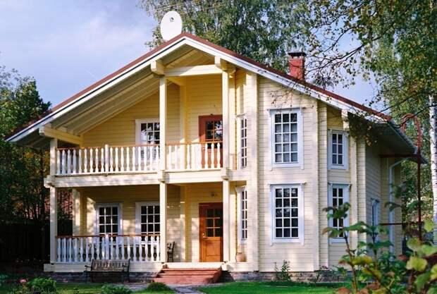 Традиционный деревянный дом. Проекты таких домов можно часто увидеть в каталогах от финских компаний.
