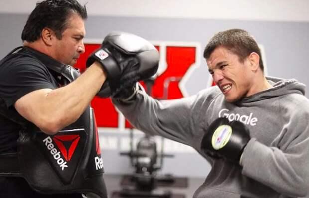 Двоюродный брат Нурмагомедова выиграл в дебютном бою в UFC