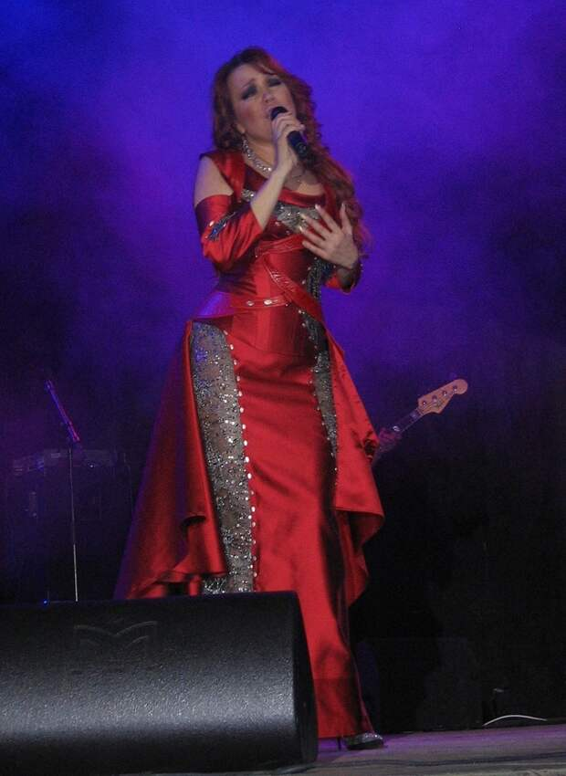 Как сложилась судьба певицы Азизы