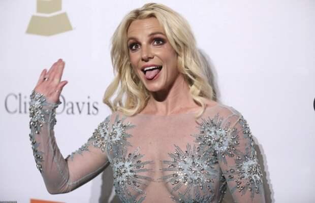 Бритни Спирс тряхнула стариной и показала фигуру (ФОТО)
