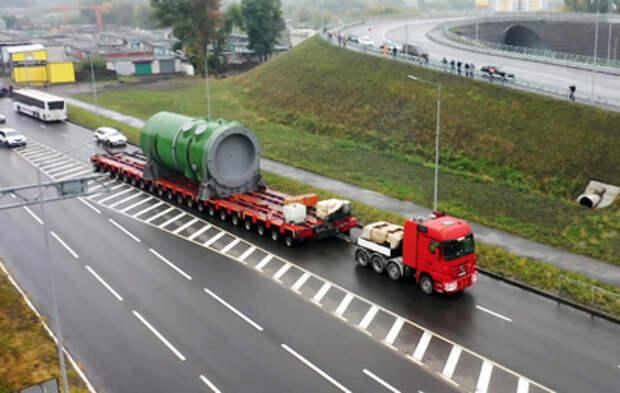 В Курчатов прибыл 340-тонный корпус атомного реактора