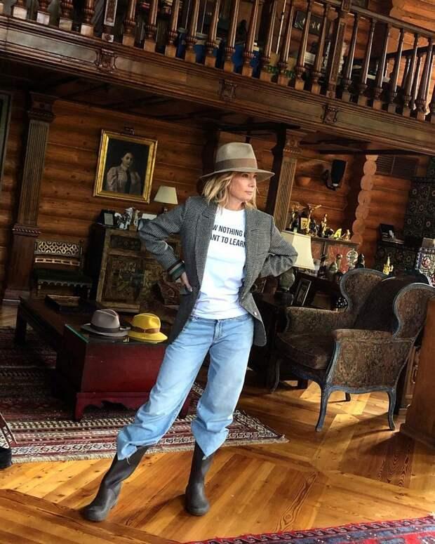 Юлия Высоцкая показала, в какой роскоши живет с Андреем Кончаловским