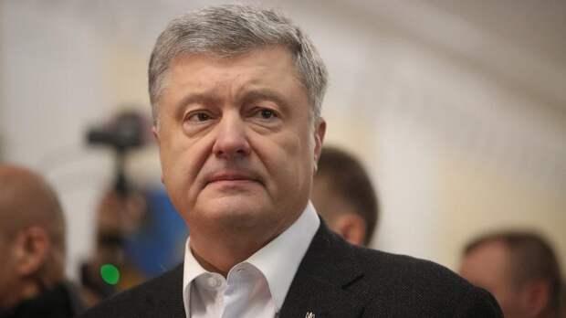 Психолог сравнила мешки под глазами Зеленского и Порошенко