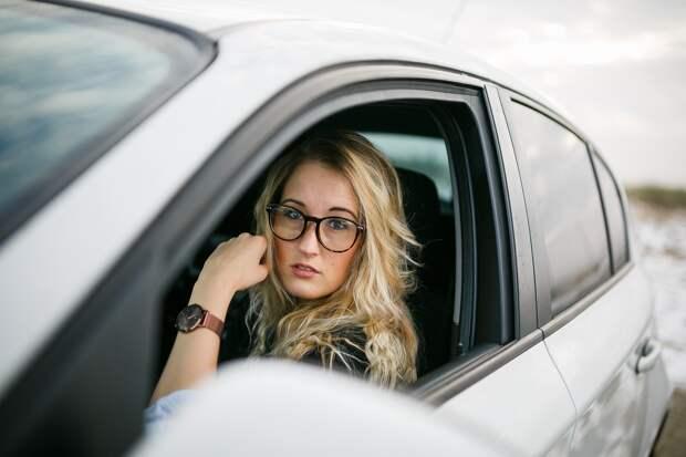 Минэк предложил выдавать кредиты по водительскому удостоверению
