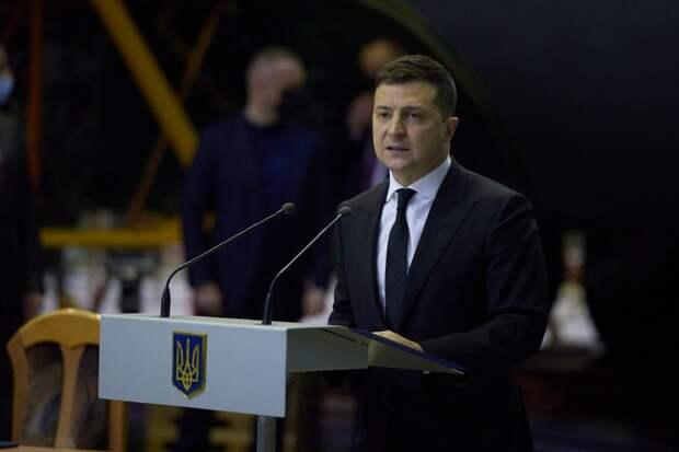 Зеленский запретил судам под флагом РФ ходить по украинским рекам