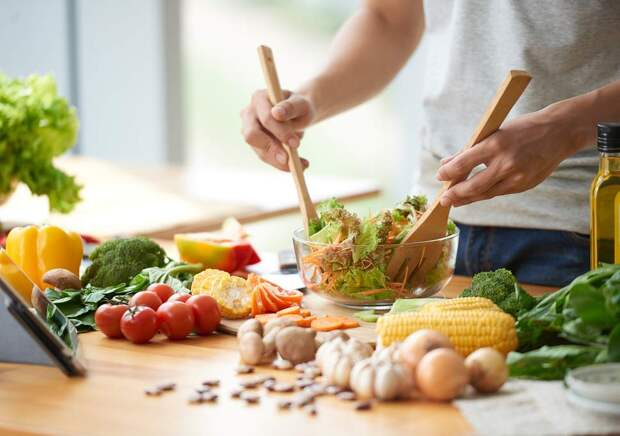 «Будущее за синтетическими продуктами» Генетик Алексей Москалев — о том, какое питание продлевает жизнь