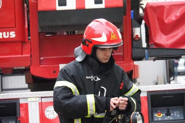 Пожар произошел в выселенном здании в центре Москвы