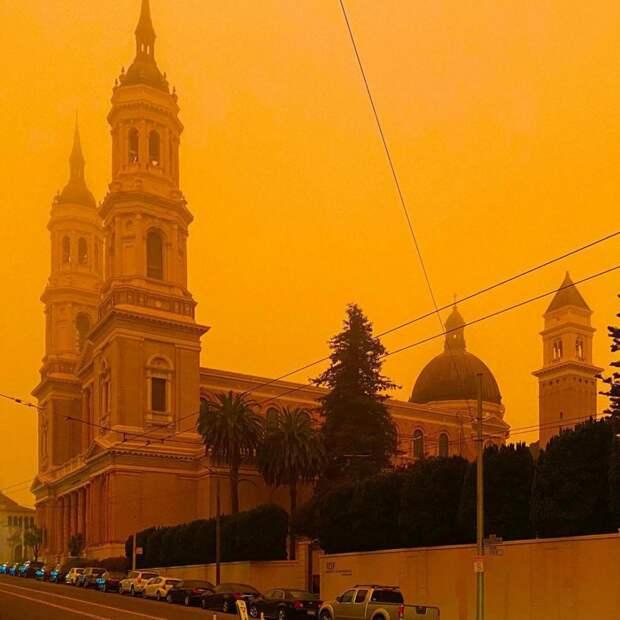 7 фото пожаров в Калифорнии, которые окрасили штат в ярко-оранжевый цвет