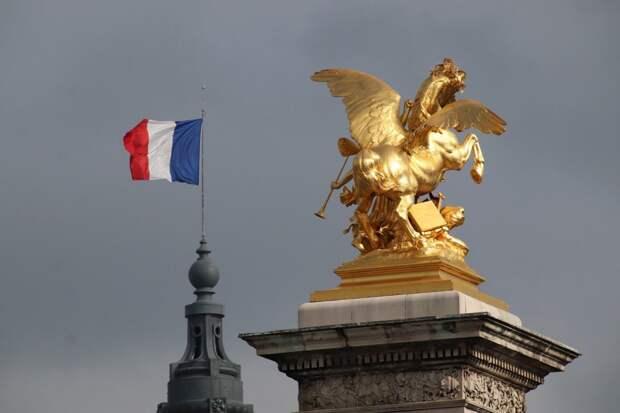 Религия важнее свободы слова: что россияне думают о терактах во Франции
