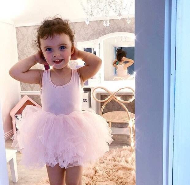 Несмотря на юный возраст, у девочки уже есть собственная марка детской одежды MBD The label Instagram, Квинсленд, Милли-Белль Даймонд, австралия, домик, роскошь, фото