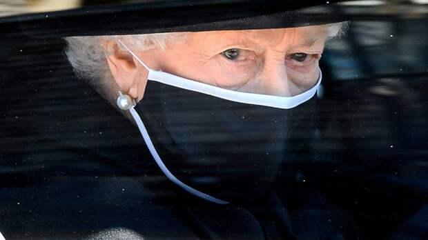 Королева Великобритании может отказаться от престола после смерти супруга