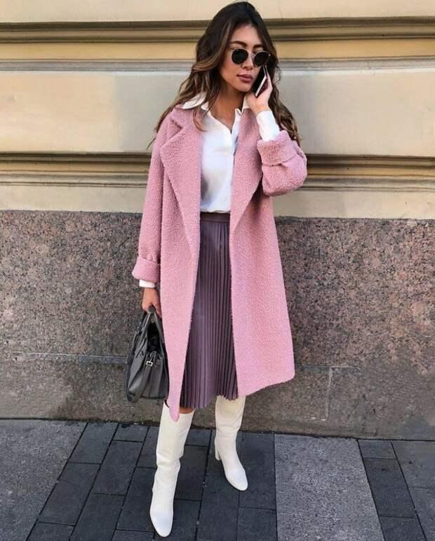 Холодный розовый подходит почти всем женщинам. /Фото: topidej.ru