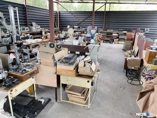 Открылся рынок советских вещей, где можно подзаработать. Показываем 8 предметов из СССР — угадайте, что это такое