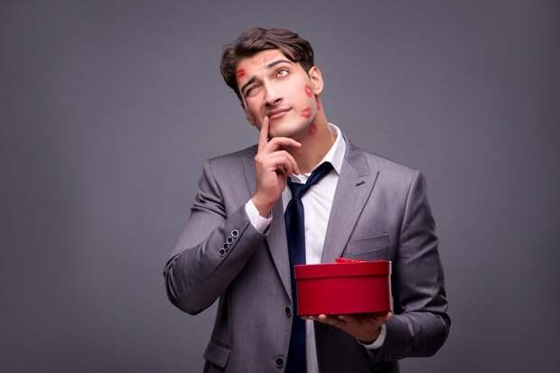 7 явных признаков того, что мужчина тебе изменяет