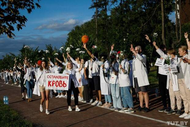 Пятый день протестов в Беларуси: задержанных массово отпускают