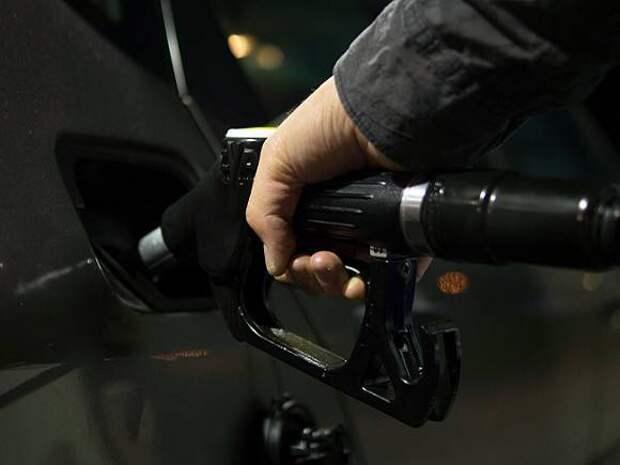 Рост цен на бензин зафиксирован более чем в 20 российских регионах