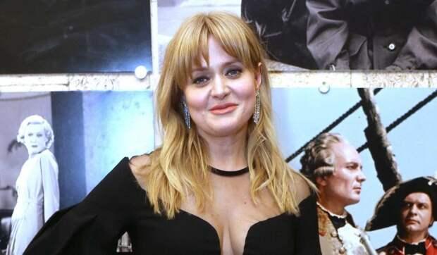 Анна Михалкова открыла для себя простой способ выглядеть привлекательнее