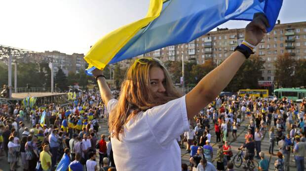 Белорусские протесты разделили Украину напополам