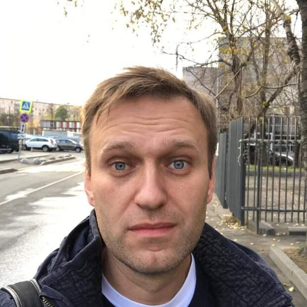 «Новичок» не так опасен?» - британцы о желании Навального вернуться в Россию