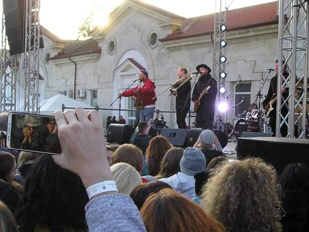 В Крыму прошел третий фестиваль «Ноябрьфест»