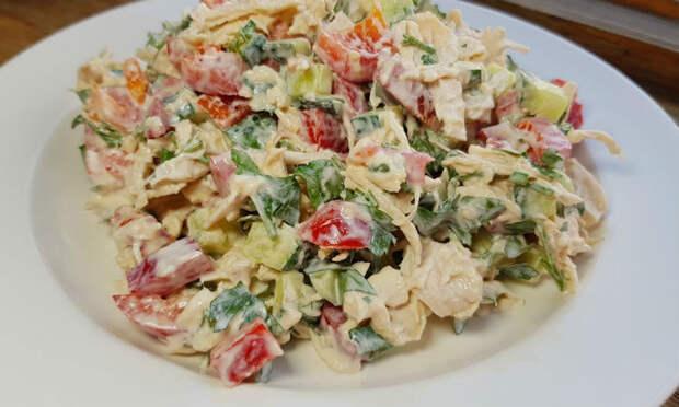 Три новых салата из банальной капусты
