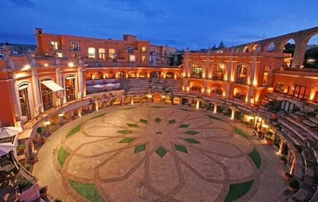 Уникальная достопримечательность Сакатекаса — отель-арена Quinta Real Zacatecas