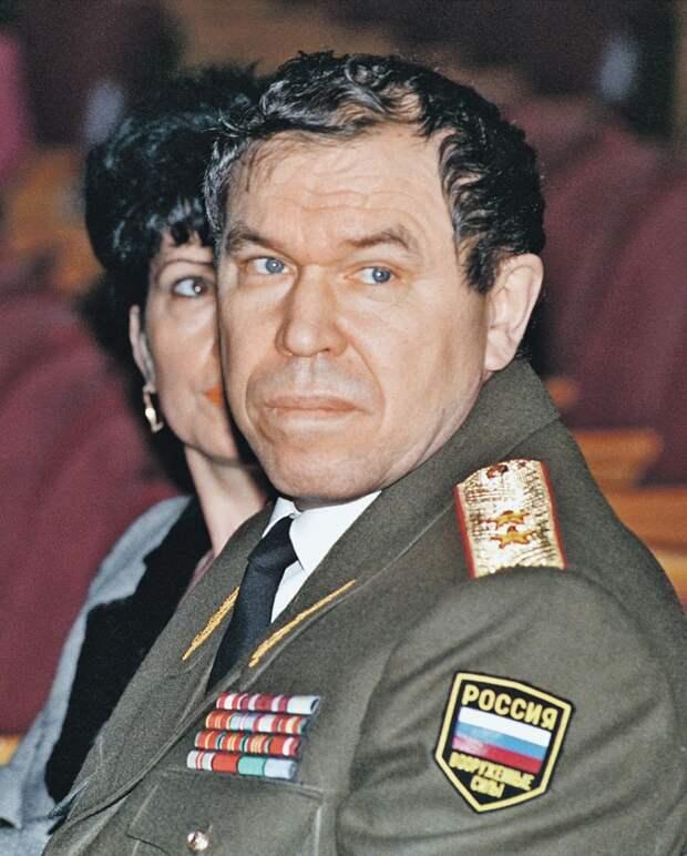 Генерал Лев Рохлин, депутат и герой первой чеченской, погиб от руки жены Тамары, которая должна была быть его крепким тылом... Фото: Алексей БЕЛЯНЧЕВ/ZERKALO